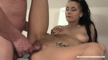 How To Please Your Boss - Nicole Love