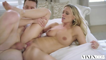 VIXEN Dump My Sister, And Instead - Addie Andrews