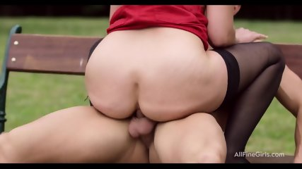 Sex On Bench In Park - Violette Pure